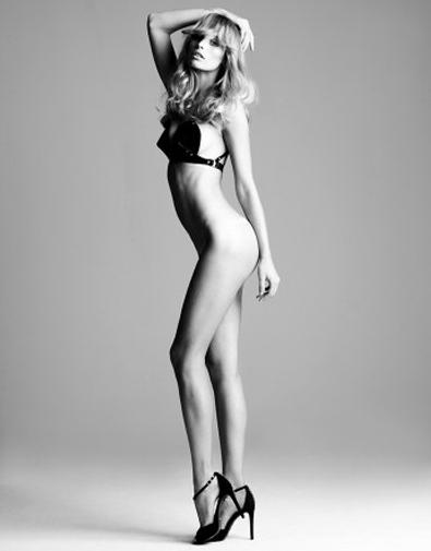 Sexteaze | Flavia Lucini